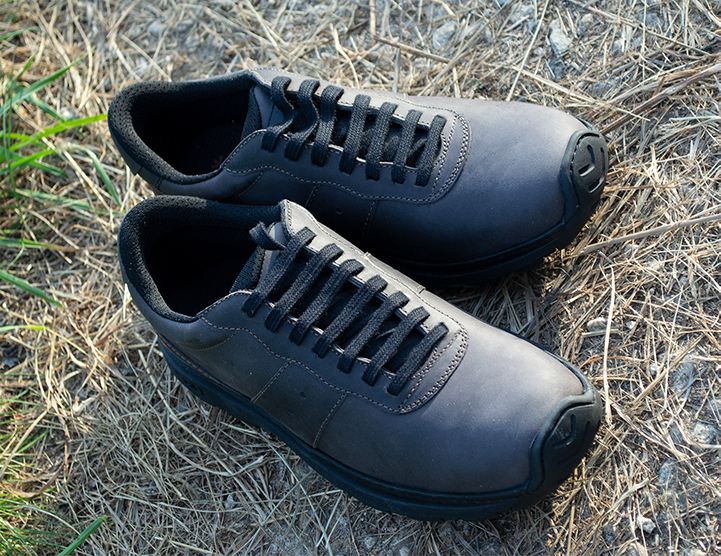 Art 1040 Link Black Low Sneakers in daylight