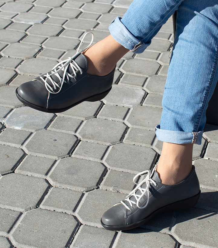 Active Loints of Holland gray lace-up flat shoes