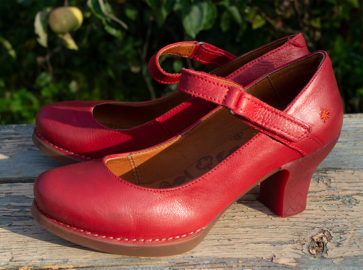 Women's Art Harlem red Mary Jane Heels