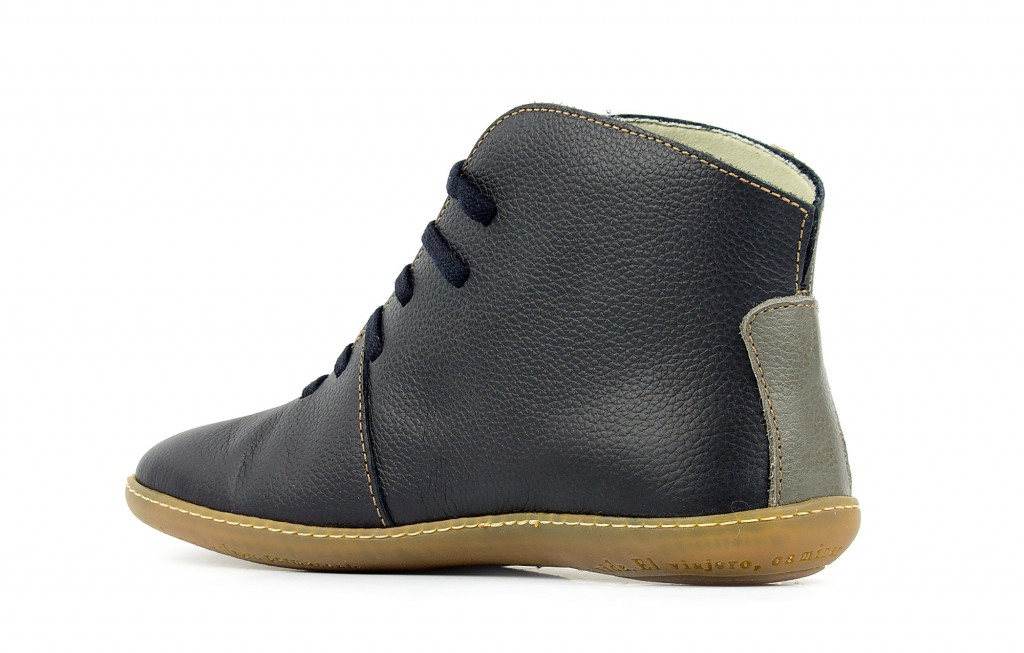 N267 El Naturalista  El viajero black - Women's and men's ankle boots