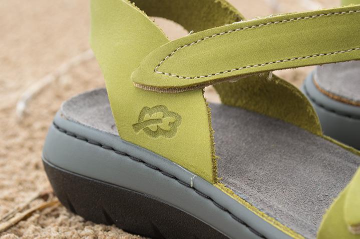Velcro Clasp