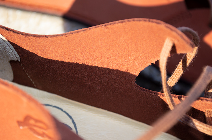 Upper: Unlined Nubuck. Removable leather insole.
